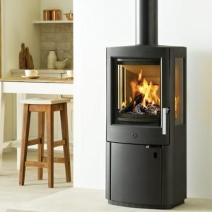 varde uniq 1 stove DEFRA and 2022 - on display in luton